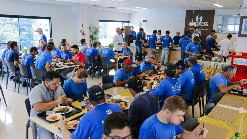 Almoço especial marca o Dia do Trabalho na PROAÇO!