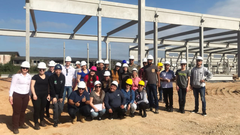 Alunos do Instituto Federal Catarinense – IFC realizam visita técnica em obra da PROAÇO.