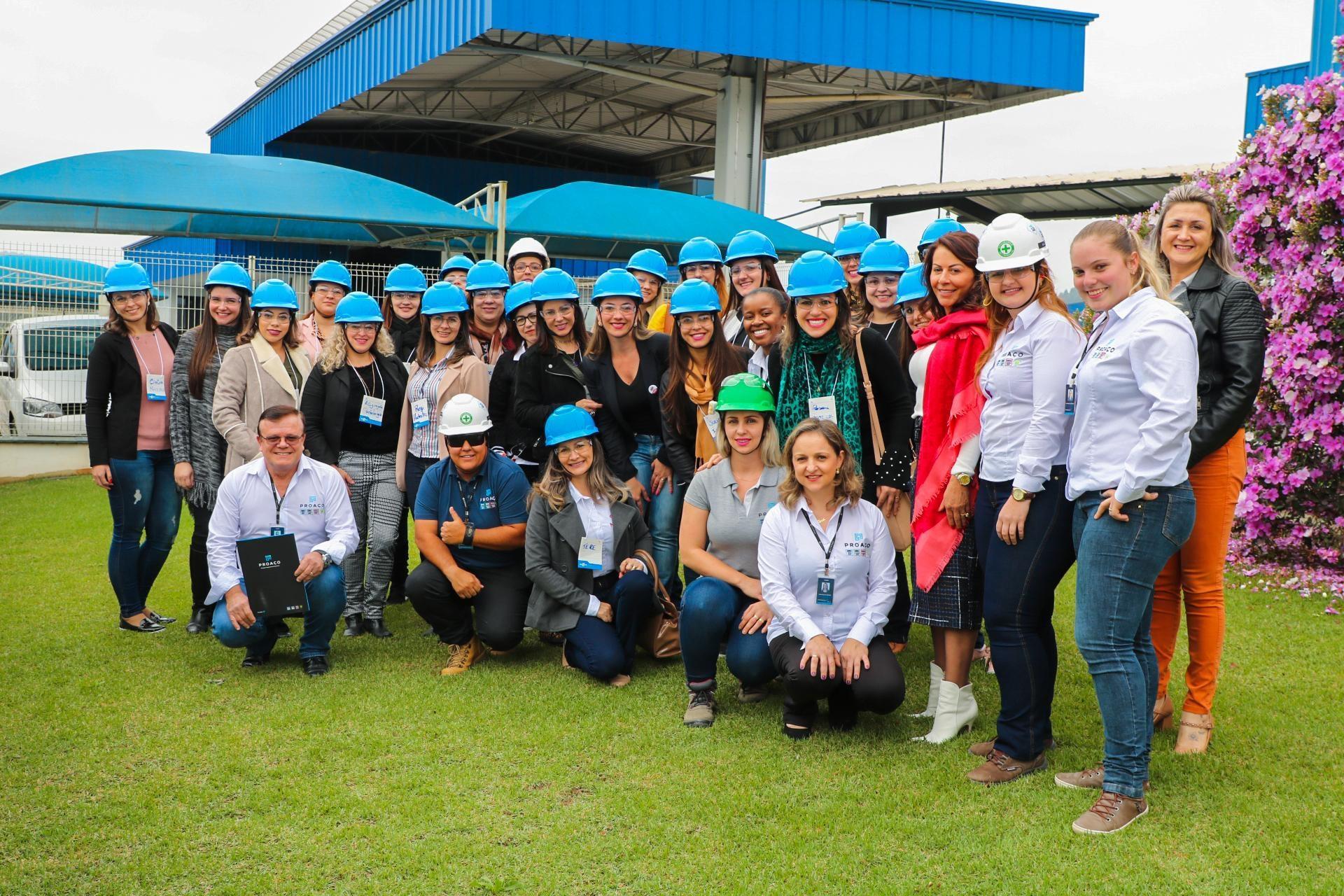 Mulheres empreendedoras da região visitam a PROAÇO.