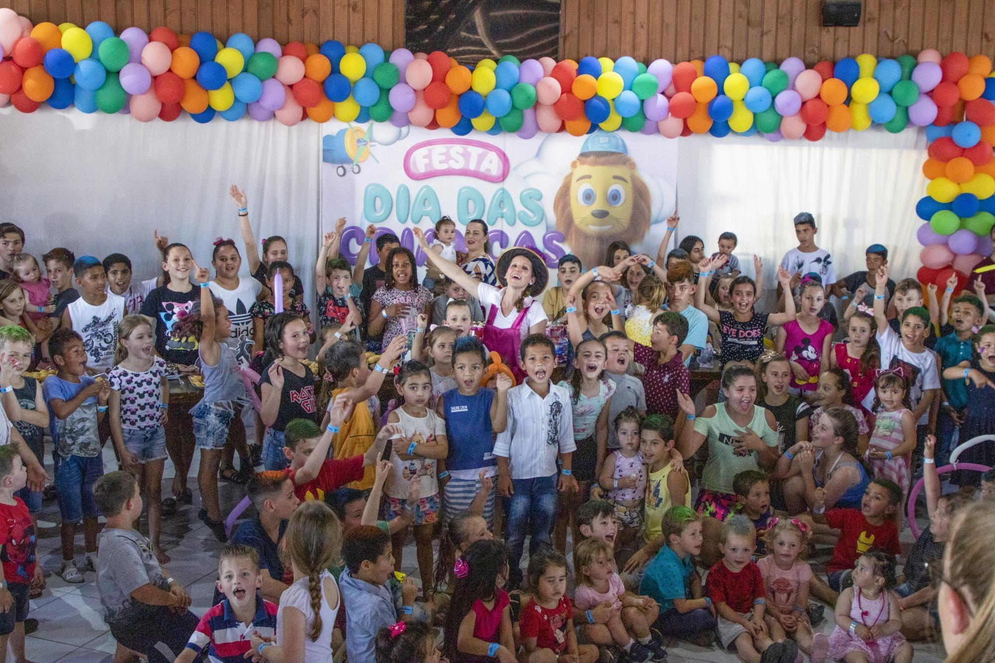 Proaço promove tarde especial para os filhos dos colaboradores no dia das crianças.